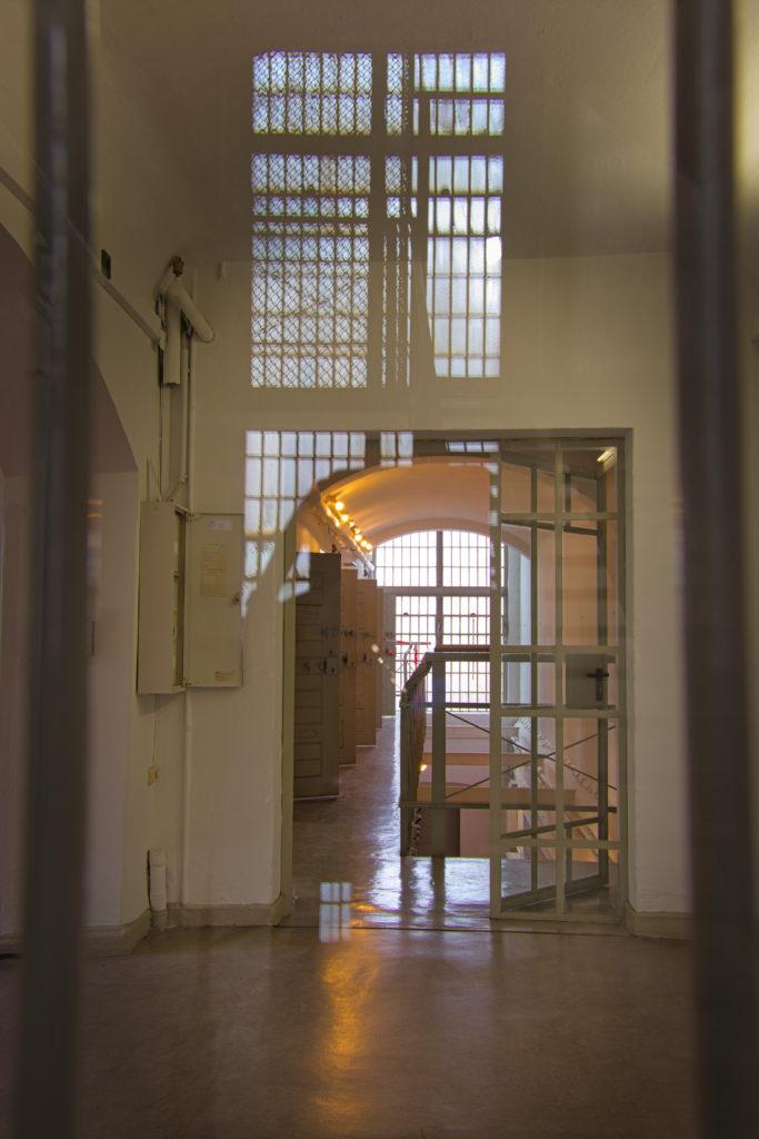 Blick durchs Gitter Gefängnis Köpenick