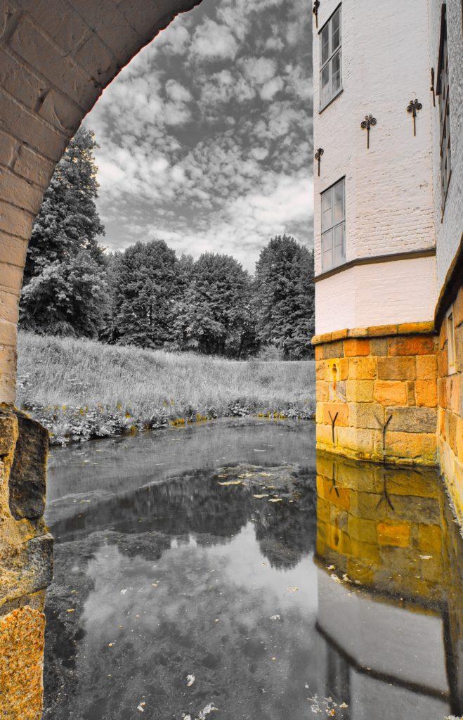 Schloss Ahrensburg unter der Schlossbrücke