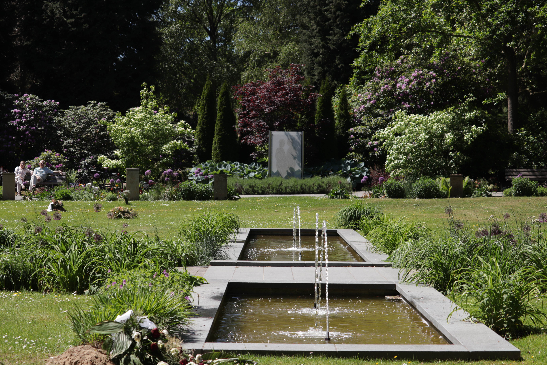 Paar Anlage Wasserbrunnen