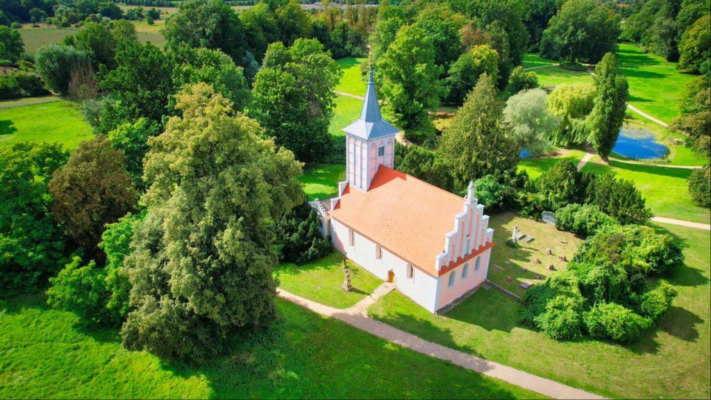 Dorfkirche Schlosspark Criewen
